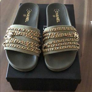 02781614540 Chanel khaki tropiconic slides size 40 US size 9